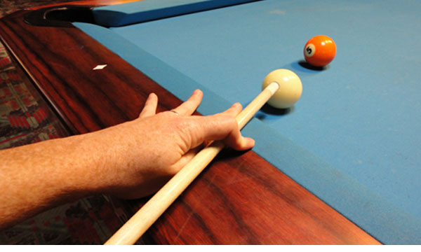 Closed Hand Pool Cue Bridge