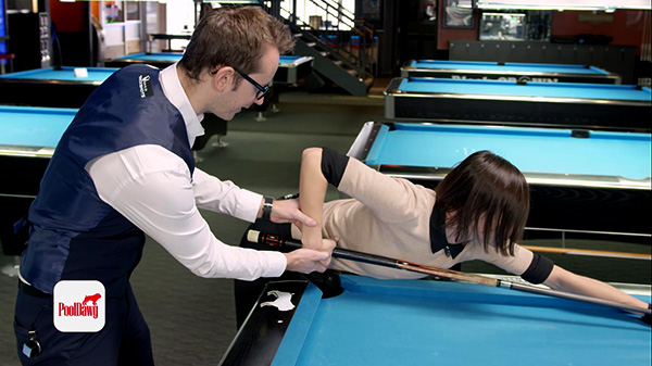 Having an inside or outside grip can hinder your stroke, keep your wrist straight!