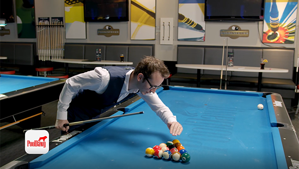 Florian Kohler analyzing the 8-ball rack to identify if the 8-ball on the break shot is possible