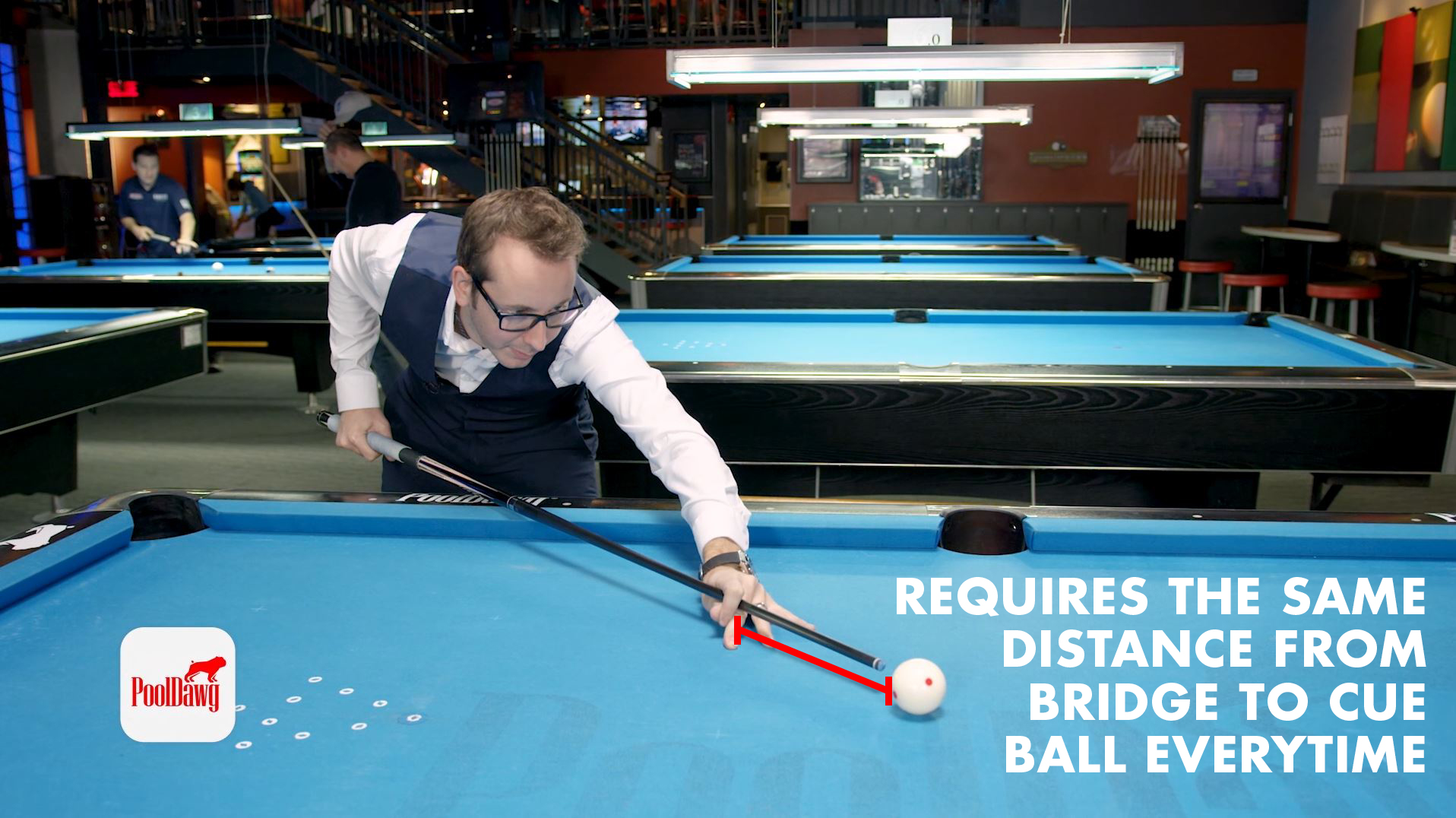 Florian demonstrates planting the bridge hand with the same distance to the cue ball as is required for CTE (Center-to-Edge) aiming.